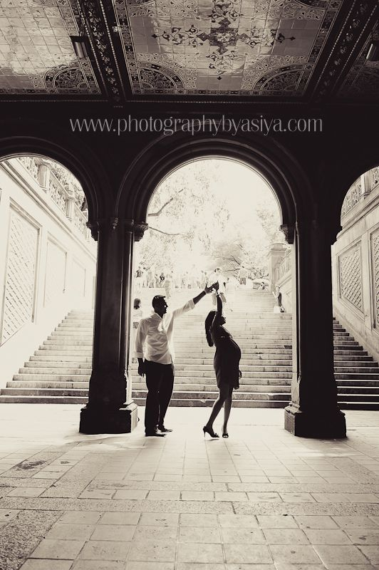 maternity-photography-central-park-dancing