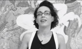 ΣΕΞ: Αυτό είναι το βίντεο με την Ειρήνη Χειρδάρη διευθύντρια της σχολής σεξ που ρίχνει το Ίντερνετ   Κολλήσαμε την Ειρήνη Χειρδάρη στον τοίχο  from Ροή http://ift.tt/2eoaUgI Ροή