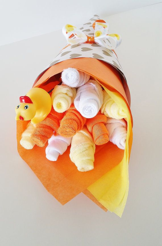 Baby Washcloth Bouquet, Gender Neutral Baby Gift, Washcloth Flowers, Baby Shower Gift, Rubber Ducky Baby Shower, Rubber Ducky Gift