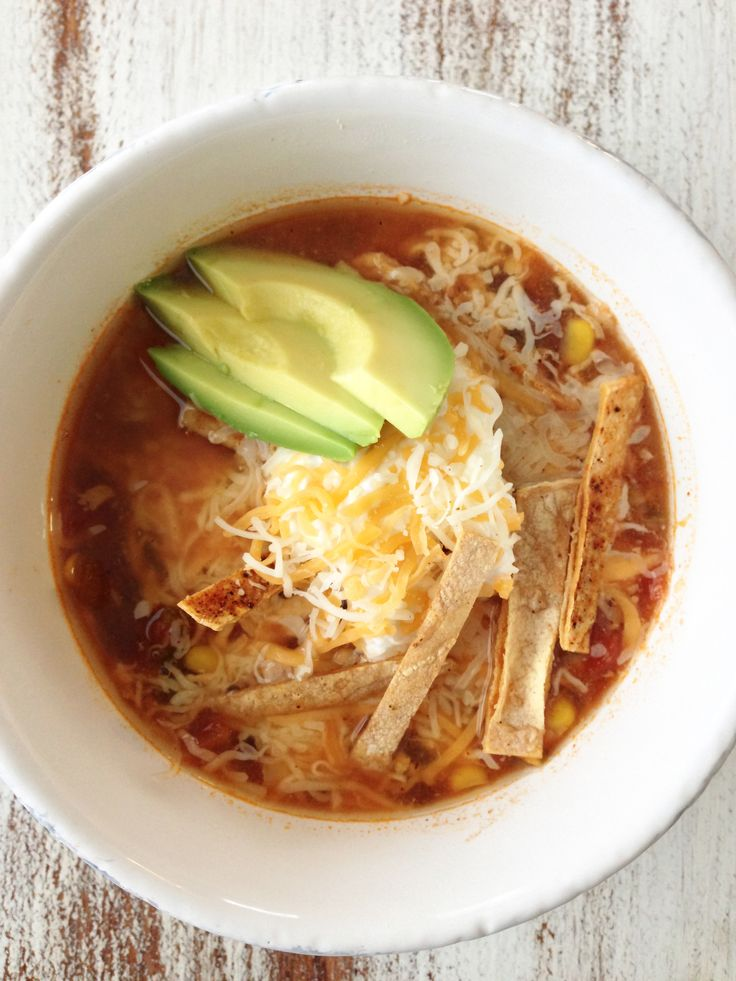 Healthy crock pot chicken tortilla soup.  Can't wait to try this one! #slowcooker #comfort