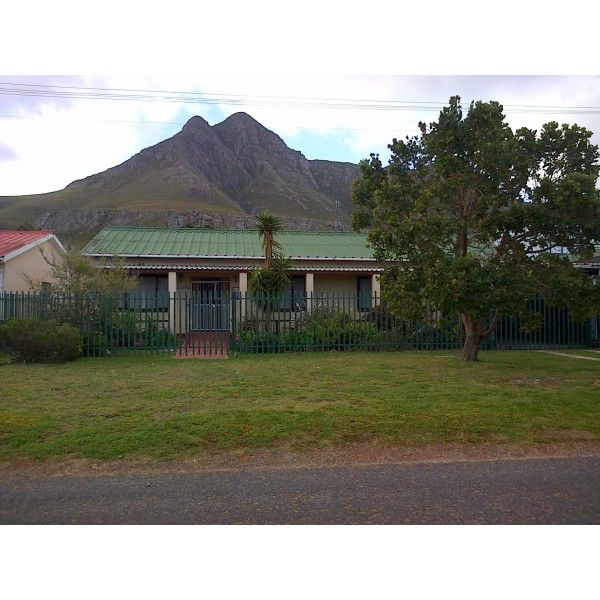 2 Bedroom Holiday House #Kleinmond #Overberg