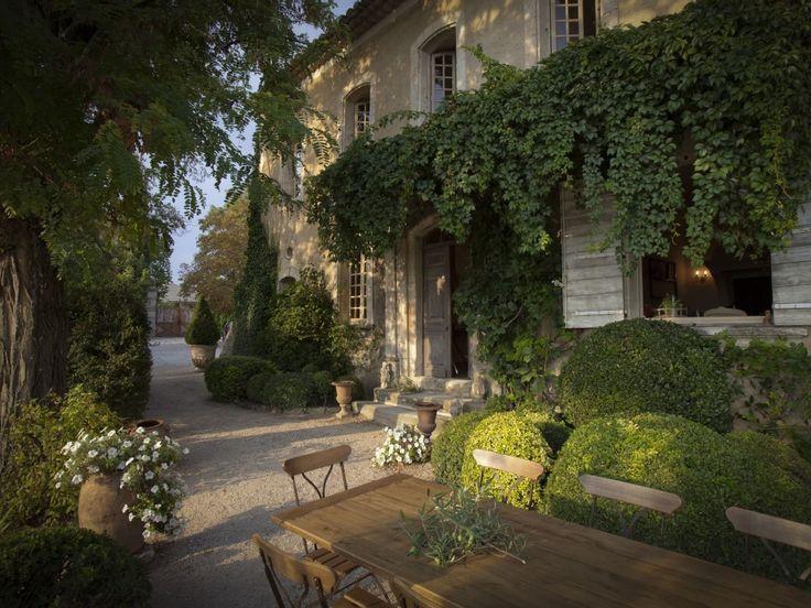 Sehr Schoner Garten In Der Provence Franzosisches Landhaus Franzosische Hauser Schone Zuhause