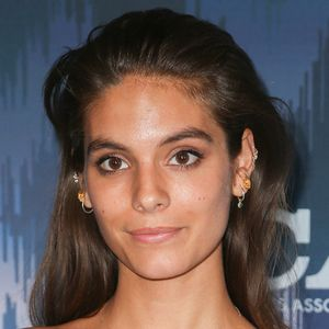 Caitlin Stasey - Bio, Facts, Family | Famous Birthdays