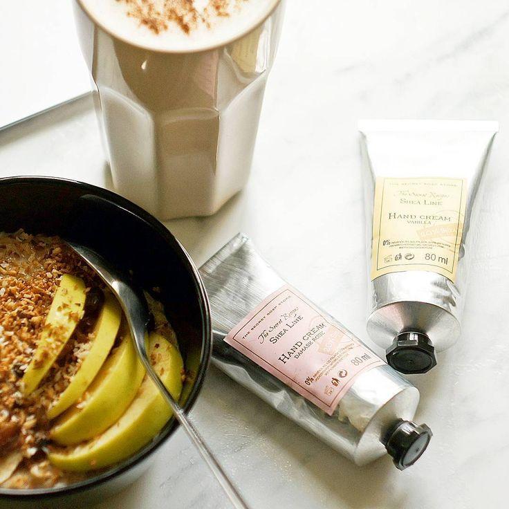 Dzień dobry! miłej niedzieli #thesecretsoapstore#natural #cosmetics#handcream#sheabutter#breakfast#flatlay#whitetheme#oatmeal#rose#vanilla#naturalne#kosmetyki#vsco https://secret-soap.com/kremy-do-rak-244