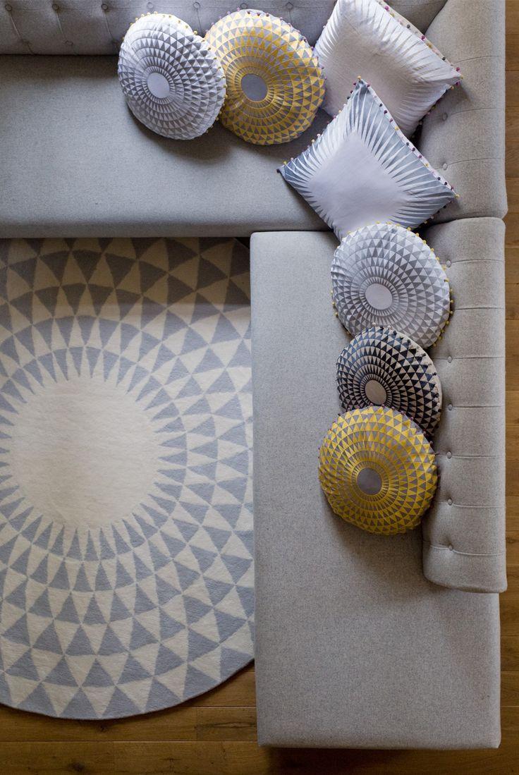 Niki Jones circular Concentric Rug in Oyster & Ecru | Concentric  & Optical Cushions.