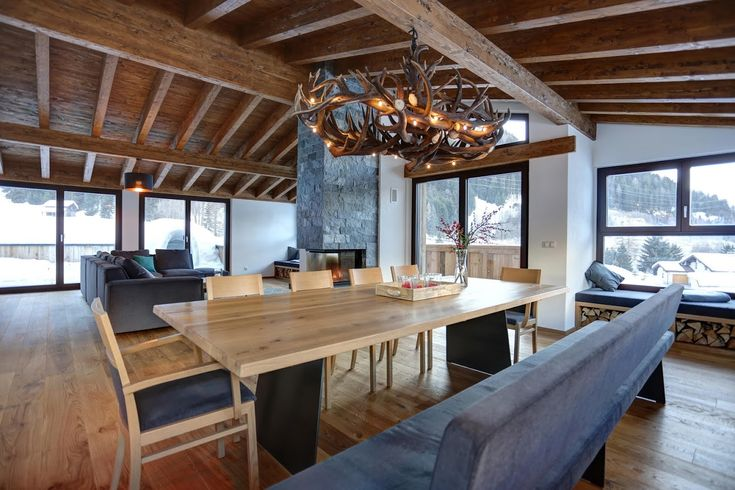 best 25 antler lamp ideas on pinterest elk horns deer antler lamps and deer horns. Black Bedroom Furniture Sets. Home Design Ideas