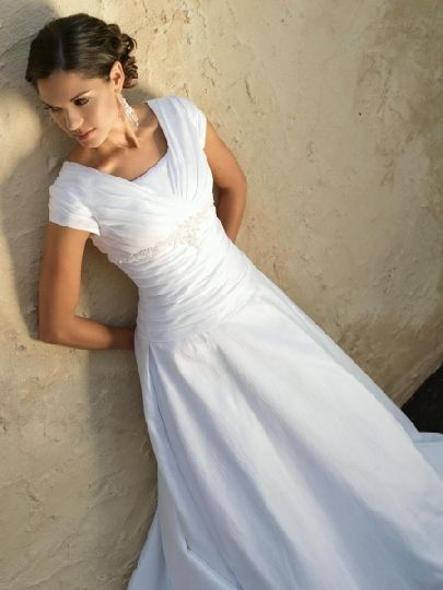 modest wedding dress  I love this <3  I want mine to look like this :)