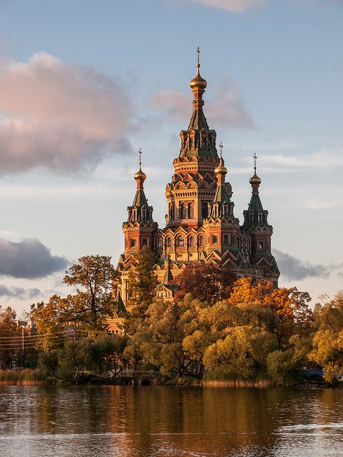 Saint Peter & Paul cathedral, Petergof, architect Nikolay Sultanov, 1894–1905  >>> The details are simply amazing!