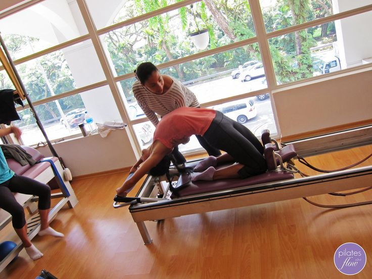 The Backbend on the Reformer is another advanced movement in the classical repetoire of Pilates exercises that require great flexibility and strength through the spinal column. www.thepilatesflow.com.sg https://www.facebook.com/ThePilatesFlow