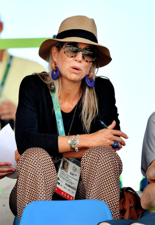 Maxima supports Dutch sporters at the Olympics