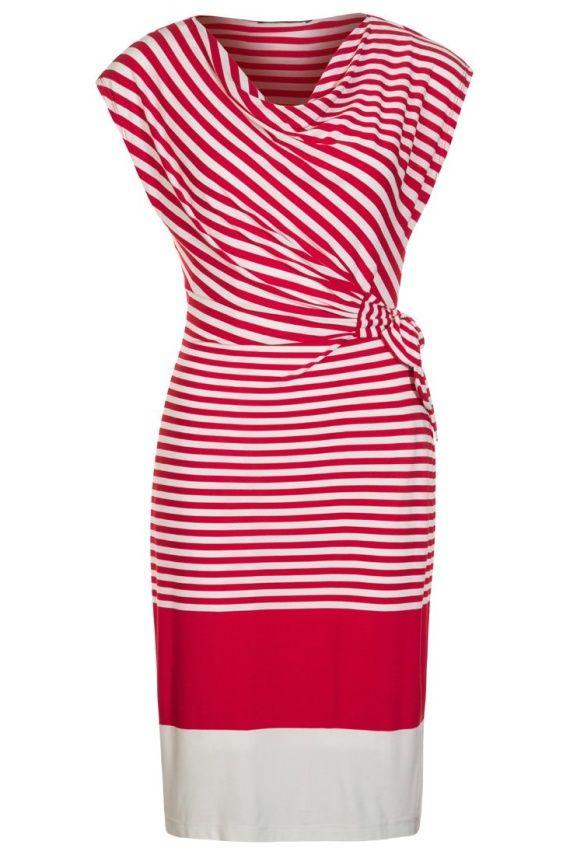 Castigi rochia preferata daca dai share acum! Mai multe share-uri, mai multe sanse! Rochie Miruna