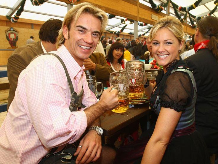 Helene Fischer und Florian Silbereisen beim Oktoberfest 2008 in München. Mehr Bilder von früher: http://www.red-carpet.de/fashion-beauty/helene-fischer-frher-heute-bilder-der-atemlos-sngerin-201431143