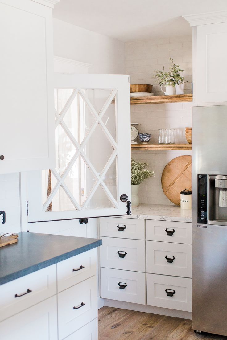 Best 25+ Dutch door ideas on Pinterest | Farmhouse pet doors, Diy ...