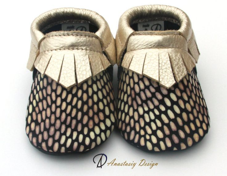 Baby moccasins Leather Baby Moccasins  Little Bee Gold Fringed Leather Baby Moccasins Baby Girl Moccasins Baby Girl Shoes, Toddler Moccasins by AnastasiyDesign on Etsy https://www.etsy.com/listing/475134245/baby-moccasins-leather-baby-moccasins