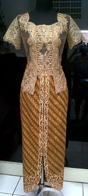 Kebaya batik embroidery