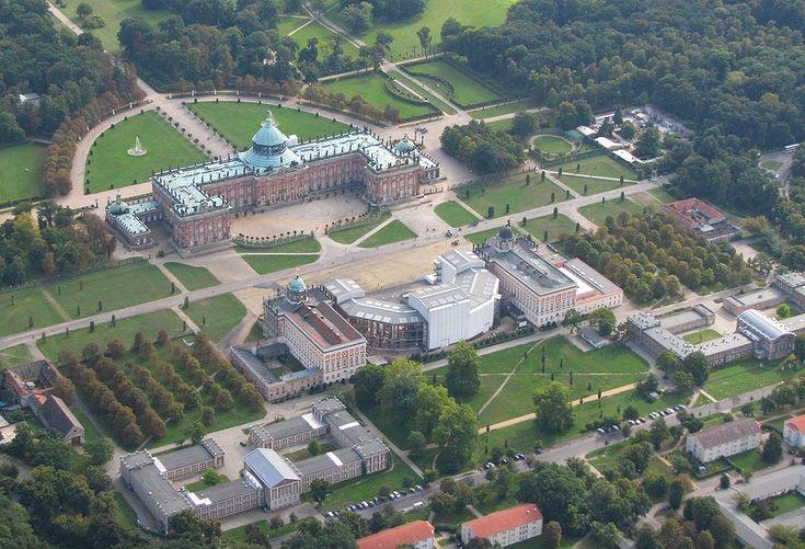 * Das Neues Palais * Schlösser westlich im Park Sanssouci.  Potsdam, Alemanha.