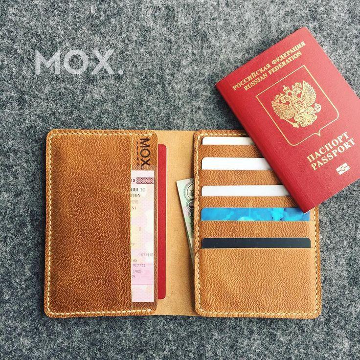 Обложка для документов📕  ✔️три отдела для документов и банкнот  ✔️пять отделов для карт  #saintpetersburg #leathercraft #handmadе #accessory #passport #leather