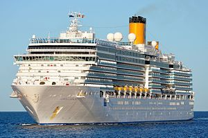 Costa Luminosa. Ιδιοκτησία: Carnival Corporation & plc. Διαχείριση: Costa Crociere. Σε υπηρεσία από 05/05/2009. 92.700GT ~ 294 μ.μ. ~ 32,30 μ.πλάτος ~ 12 κατ/τα ~ 22,6knots ~ 2.260 επ. ~ 1.000 α.πλ.