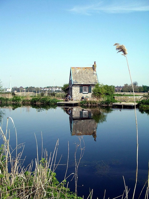 Topsham Lock-keeper's Cottage, Exeter Ship Canal, Devon