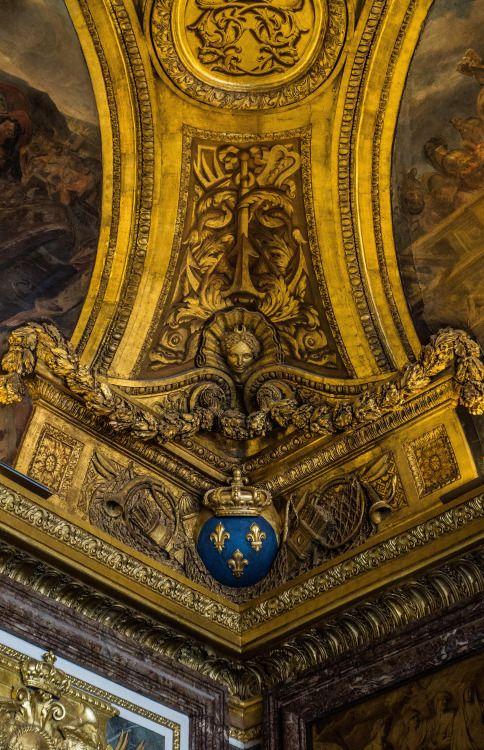 Plafond, Château de Versailles, France.  www.jcllib.tumblr.com   #plafond#Chateau#chateau de versailles#gold#roi#KING