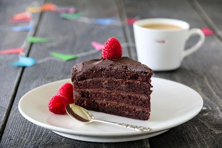 » DEVILS FOOD CAKE MED BRINGEBÆR