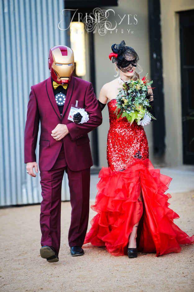 These Batman Fans Had A Comic Themed Wedding