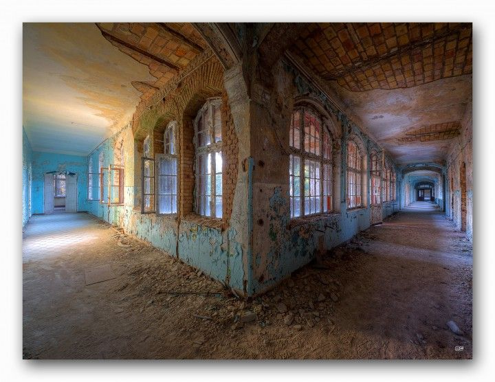 Abandoned hospital by the Urbex artist series. http://www.kollektion-wiedemann.de/sonderedition/urbex/ #decay #abandoned #lostplace #urbex #industry #destroyed