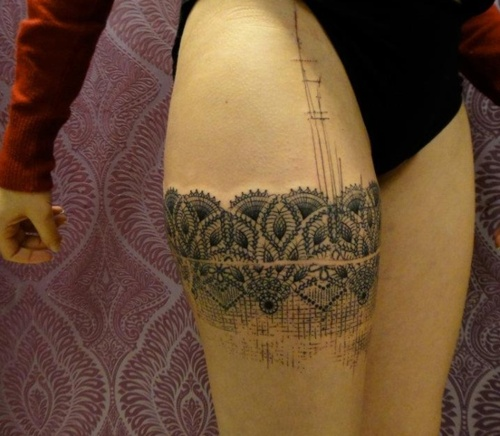 Lacy band tattoo tattoo ideas pinterest band tattoo for Thigh band tattoos for females