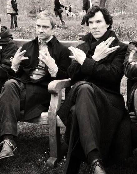 Sherlock Benedict Cumberbatch John Watson Martin Freeman gang signs