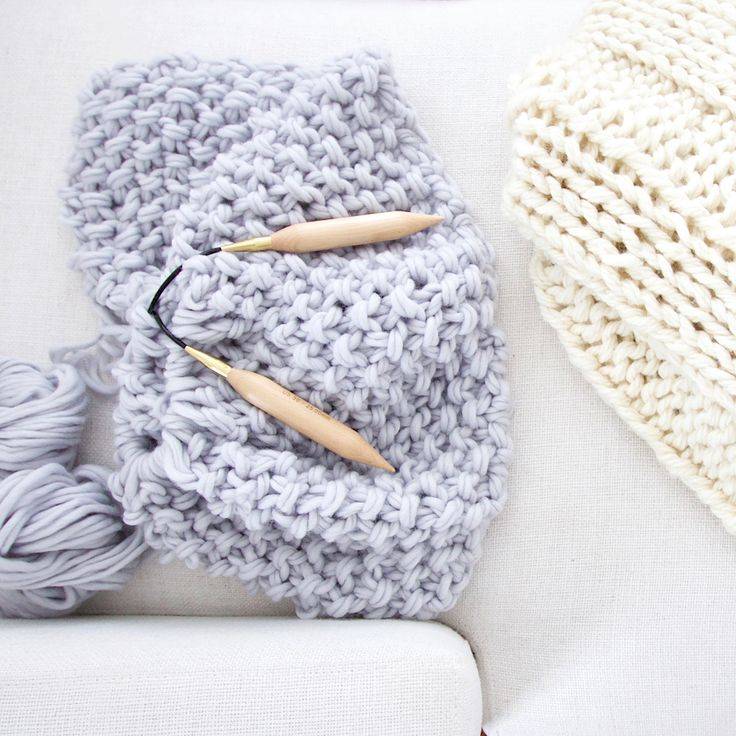 FREE chunky knit blanket pattern. Knit a blanket in a ...