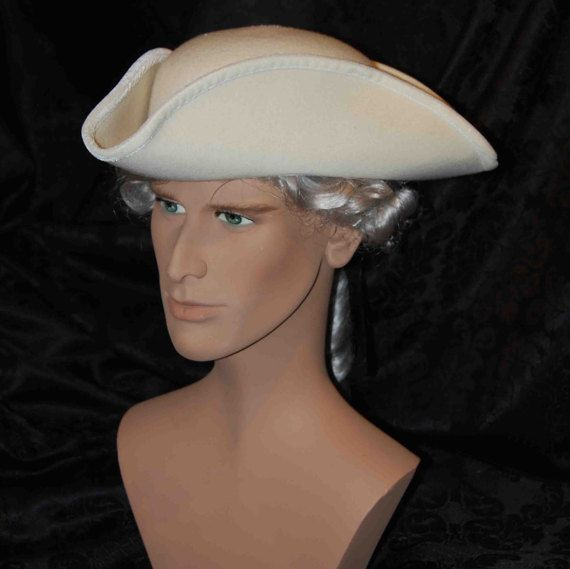 Tricorn Historical Men Hat made of Wool di AtelierMaregaMask