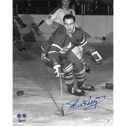 Kelly,R Signed 8x10 Unframed Leafs-V