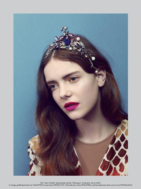crownLipsticks Colors, Eye Makeup, Beautiful Department, Pink Lips, Imogen Morris Clark, Crowns Headbands, Beautiful Blog, Hair, Bright Lipsticks