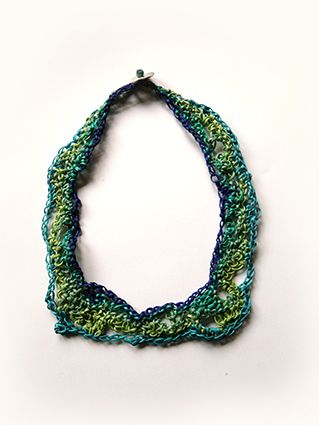 wax-thread_knitted_collar-necklace