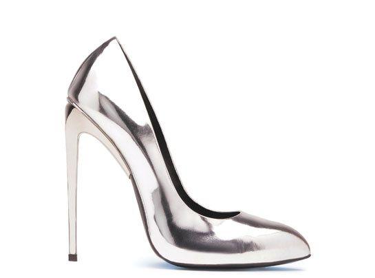 Giuseppe Zanotti Design escarpins en cuir verni http://www.vogue.fr/mode/shopping/diaporama/cadeaux-de-noel-argent/11005/image/653693