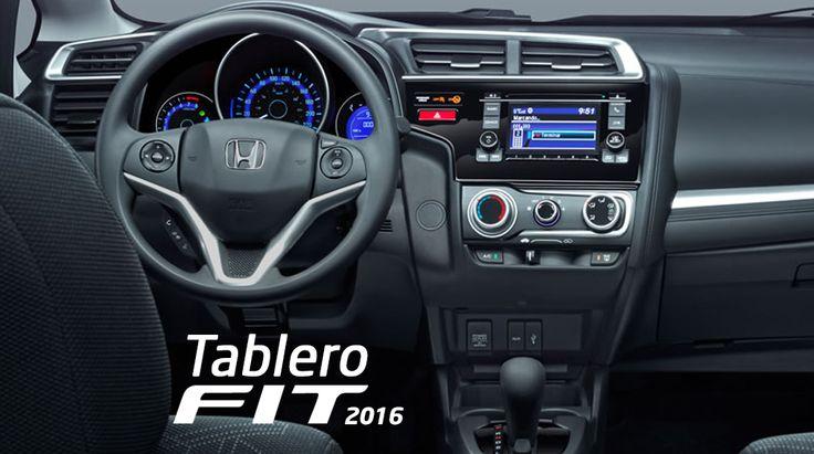 #HondaFit Aire acondicionado con control de clima manual y sistema de filtración de aire. Espejo retrovisor interior día y noche. Espejo de vanidad en viseras para conductor y copiloto. Guantera. Portavasos en tablero portabotellas en las cuatro puertas. Toma de corriente delantera 12V.