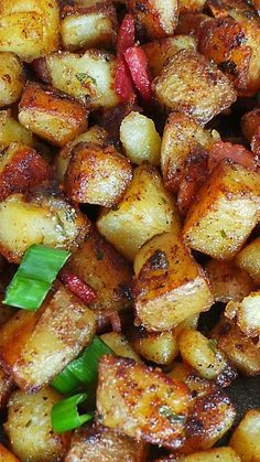 Bangin' Breakfast Potatoes ~ Golden brown potato bites cooked in crispy bacon, aromatic garlic, and caramelized with delicious sweet maple syrup... Delicious