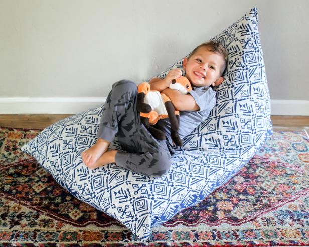 HGTV.com has the solution for the ever-difficult stuffed animal storage dilemma -- use them to make a cozy and functional kids chair.