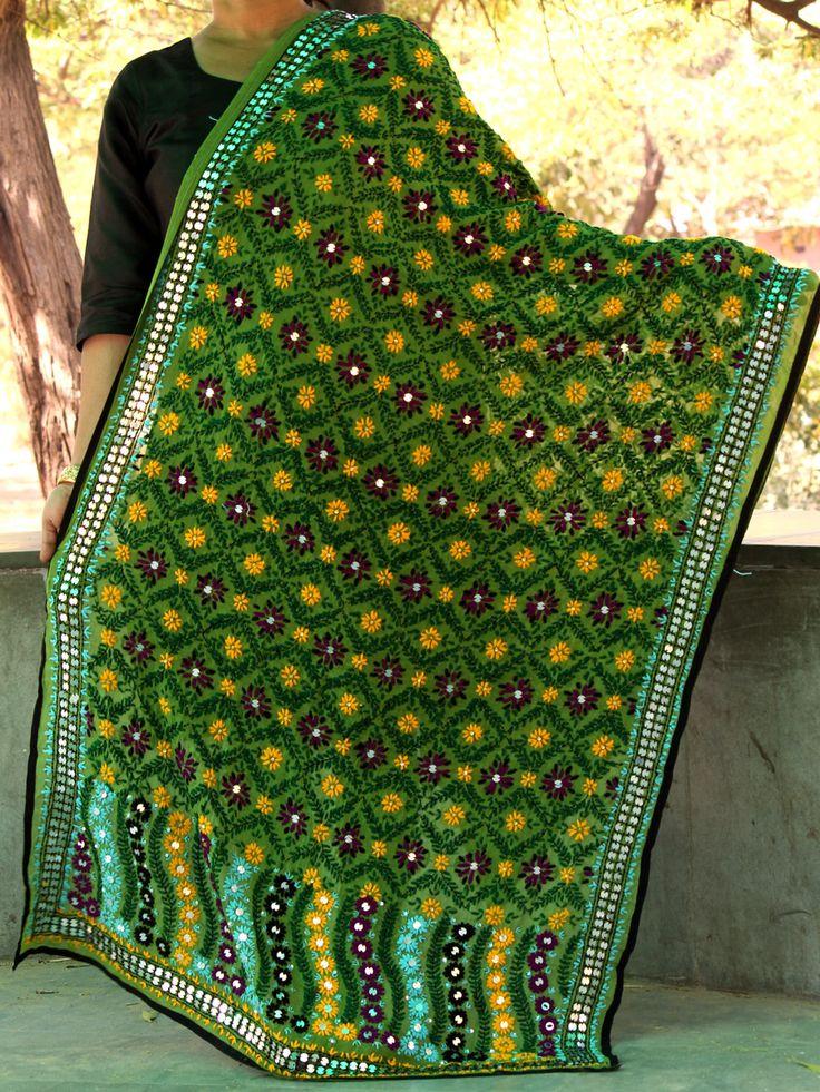 Green phulkari dupatta online. #phulkaridupatta #fulkari #phulkari #embroidery #punjabi #Shilphaat