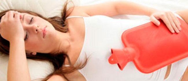 Remedios caseros para aliviar dolores menstru... Muchas mujeres en edad reproductiva se ven afectadas por dolores, en ocasiones, muy fuertes y desagradables durante el periodo menstrual.