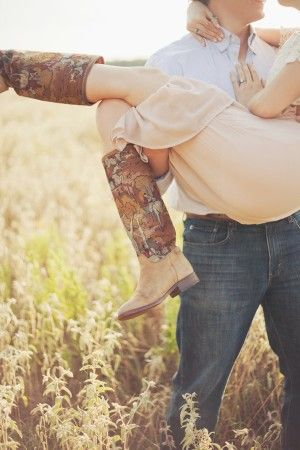 Rustic cabin engagement session   photography by http://www.closertolovephotography.com/