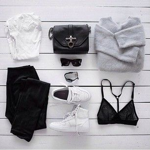 She makes a statement in black and white. Get flat with Flat Tummy Tea.