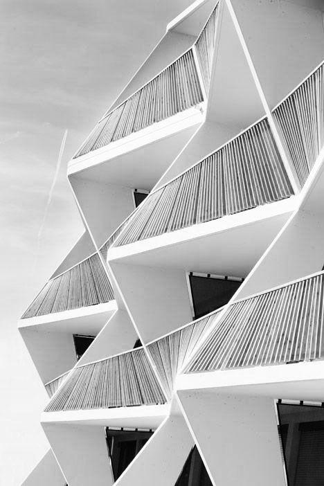 les 112 meilleures images propos de logements collectifs sur pinterest conception de balcon. Black Bedroom Furniture Sets. Home Design Ideas