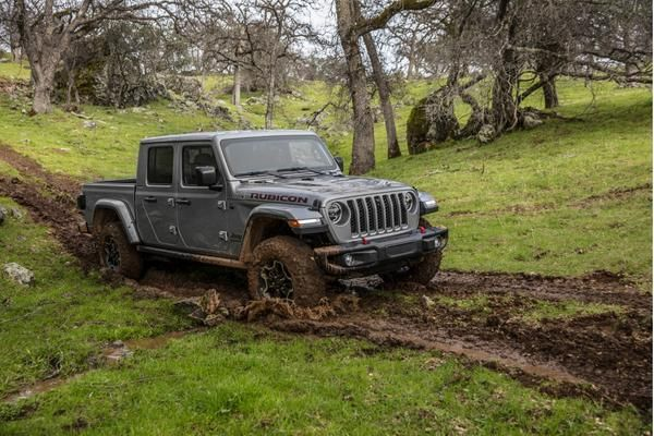 Debuts With 2020 Jeep Gladiator Pickup At L A Auto Show Jeep