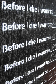 'Before I die I want to' wall in Kloof street- go add your dream to the wall