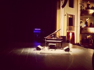 Pictures from the wings of the stage: a Steinway #piano on stage after #Randy Newman's show