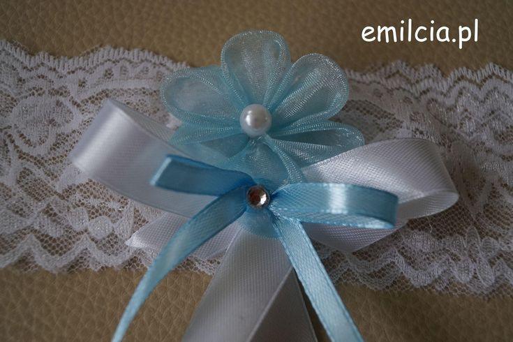 Podwiązka Dodatki Ślubne Podwiązki niebieskie Podwiazka w błękicie prezentuje się bardzo ładnie i szykownie. Weeding Dekoracje Ślub