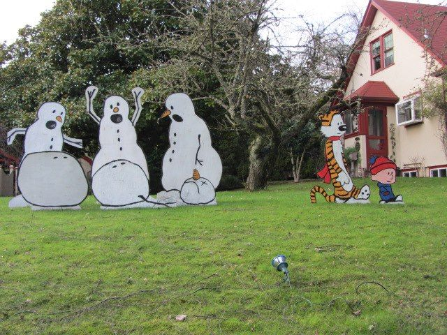 Best Holiday Lawn Decoration Ever Via Imgur