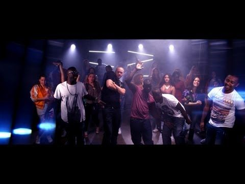 Panetoz - Dansa Pausa [Official Music Video] ------ What a great song! Gets ya movin' . . . makes cleaning the house more fun! :)