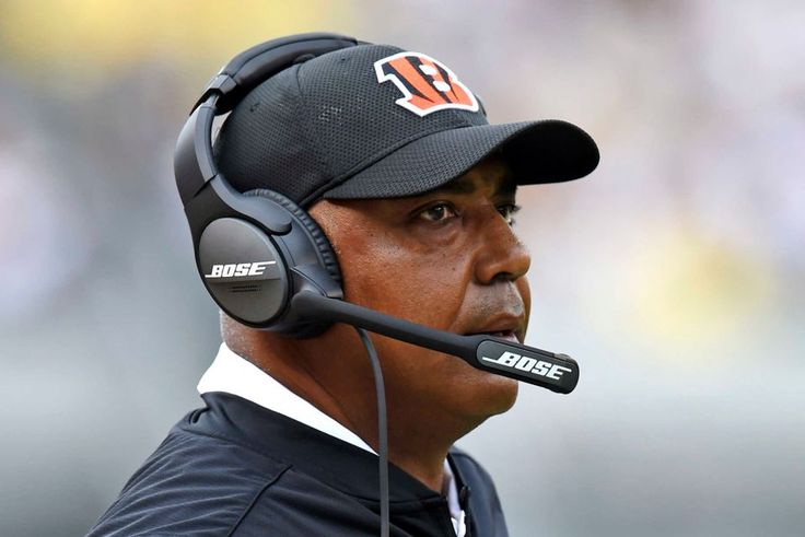 Cincinnati Bengals head coach Marvin Lewis stands on the sideline during the first half of an NFL football game against the Pittsburgh Steelers in Pittsburgh, Sunday, Sept. 18, 2016.